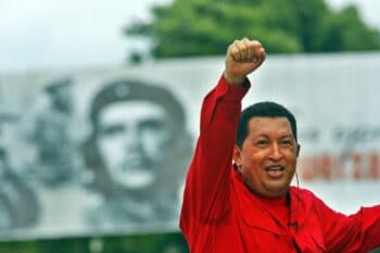 | Hugo Chávez stands in the legacy of Che | MR Online